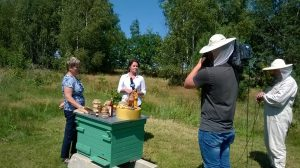 Światowy Dzień Pszczół w pasiece u Nowickich